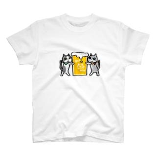ご注文のビールです T-shirts