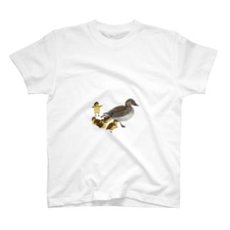オシドリの親子 T-shirts