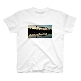 HENMO DESIGN TSHIRTSのReoma T-Shirt