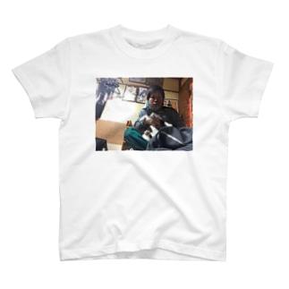 オカンと俺と、時々ルイ T-shirts