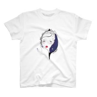 鏡中の私 T-shirts