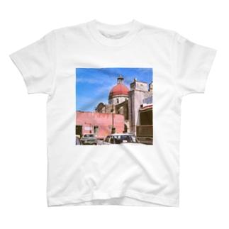 メキシコ:聖母被昇天大聖堂の風景写真 Mexico: view of Catedral de la Asunción de María / : Catedral de Cuernavaca T-shirts