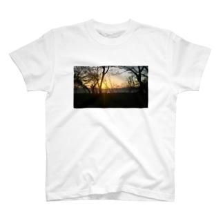 夕暮れ。 T-shirts