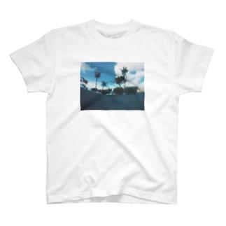 沈む。 T-shirts