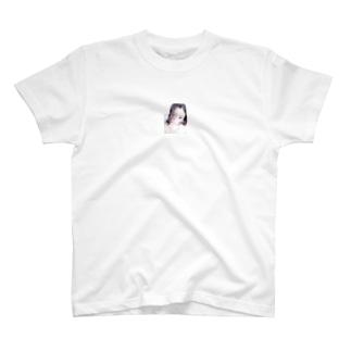 オオツキカエデのメンヘラちっく自撮り T-shirts