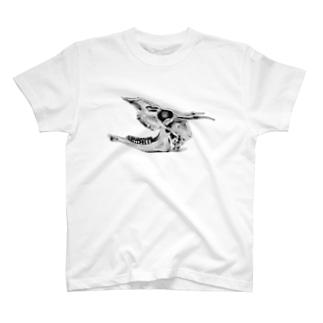 鬼角の鹿の咆哮 T-Shirt