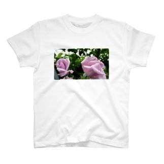 双子薔薇 T-shirts