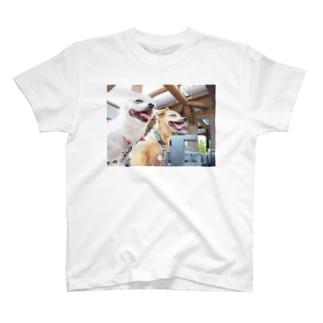 笑顔 T-shirts