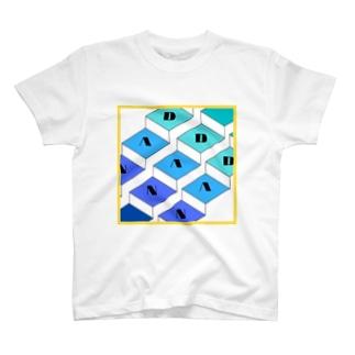 段、段、段。 T-shirts