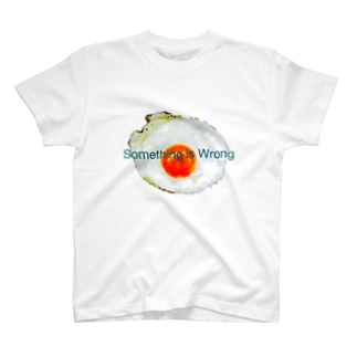 Something_is_Wrongの裏返す直前 by Wanna&Co. T-shirts