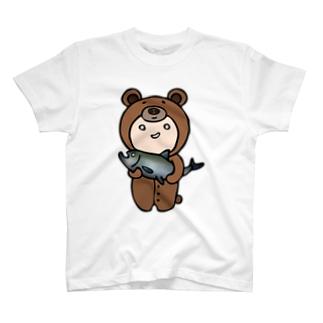 着せられてるベビー(くま) T-shirts