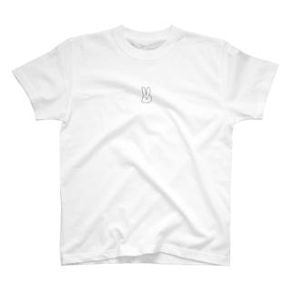 季節の察した顔のうさぎ T-Shirt