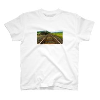 線路は続くよどこまでも T-Shirt