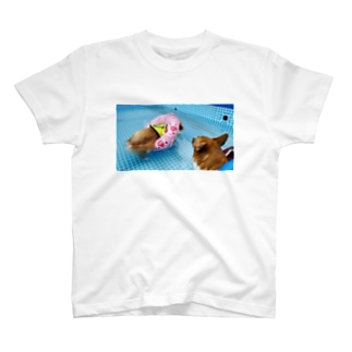 ちい むう ととろ Chi Mu Totoroの浮かぶ事に気付き  泳がなくなった犬 T-Shirt