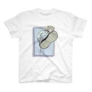 足蹴足蹴 T-shirts
