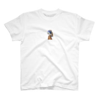 真珠の耳飾りのアマビエ T-shirts