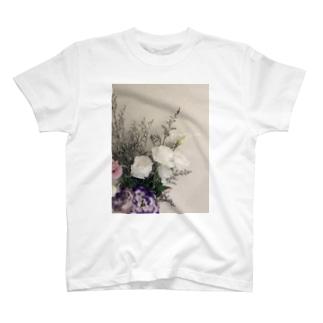ジョリーマンダリンのflowers T-Shirt