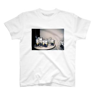 缶 T-Shirt
