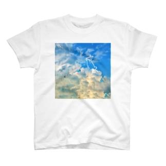 空とうさぎ T-shirts