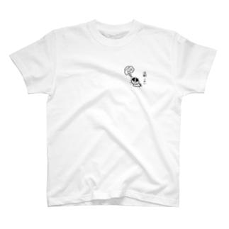 注射こわい 小さいねこ【黒】 T-Shirt