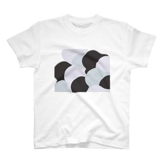 重なる帽子 T-Shirt
