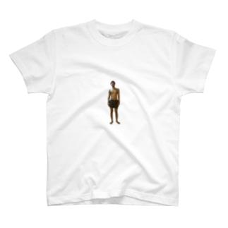 マッチョになる途中 T-Shirt