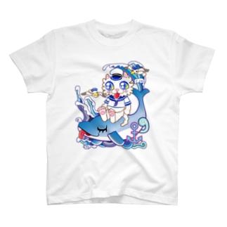 イルカに乗った水兵の白猫さん♪  T-shirts