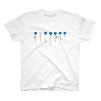青いバラ(2) T-shirts