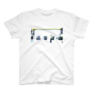 夜のドラッグストア T-shirts