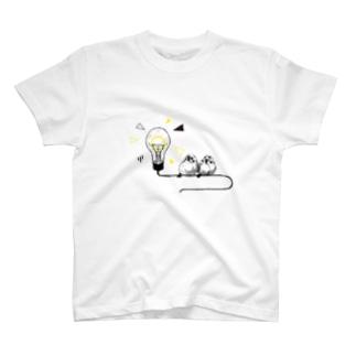 電球とスズメ T-shirts