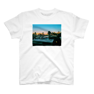 ばんりったーのきゃりふぉるにあT T-shirts