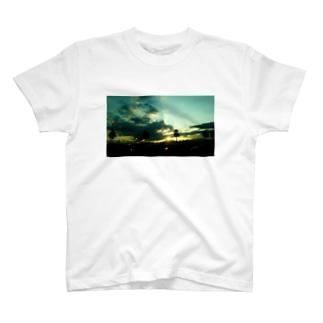 「誰そ彼刻に」 T-shirts