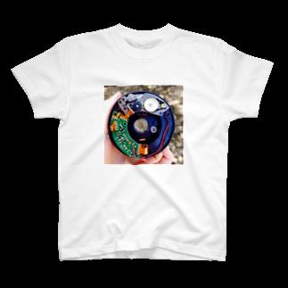 ぱあちくの近未来的 T-shirts