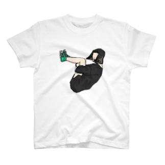 体育座り T-shirts