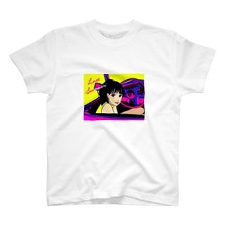 ドライブと女の子 T-shirts