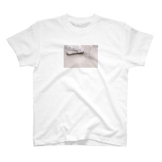 ルノアールでモーニング待ってる T-shirts