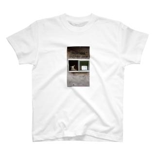 チケット売場羊 T-shirts