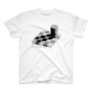 チェッカーシャドー錯視 T-shirts