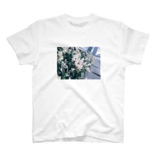 shiroi_hana T-shirts