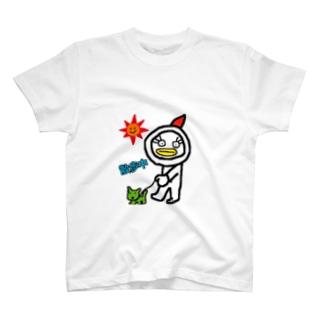 ニワトリみたいなエリザちゃんお散歩中 T-shirts