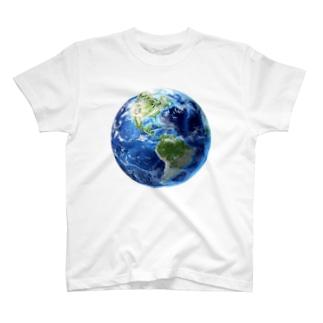 地球 T-shirts