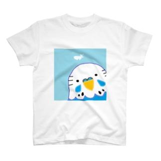 セキセイインコと羽根 T-shirts