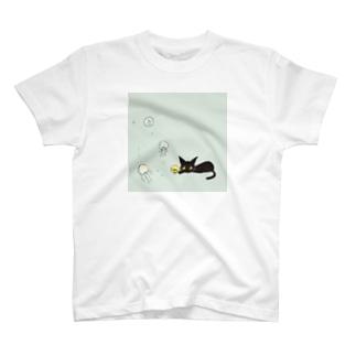 天使のひよこちゃんと黒猫ムーン くらげver. T-shirts
