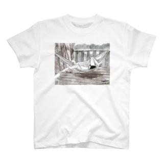 ハンモックで寝るジョセフ T-shirts