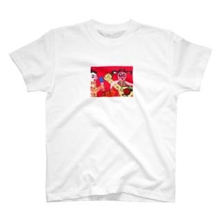 秋永アートのq T-shirts