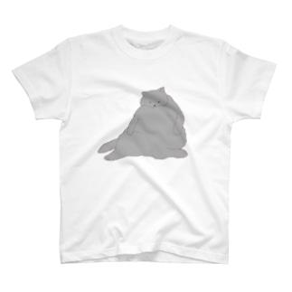 おデブ灰色猫の日向ぼっこ Tシャツ