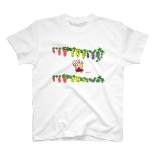 葡萄畑であっかんべーのクレコちゃん T-shirts