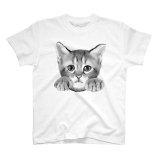 イタズラ子猫 T-shirts