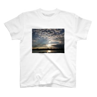 SKY SKY SKY T-shirts