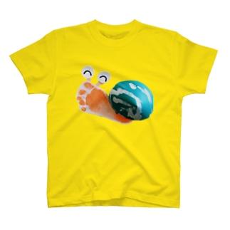 息子の足形かたつむり T-shirts